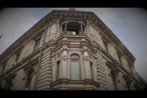 Ralu Calatoreste | City of Constrasts