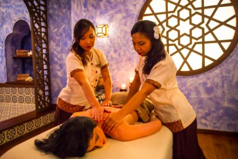 masaj la 4 maini